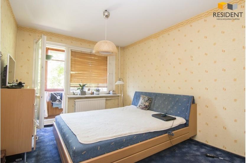 Parduodamas butas Dariaus Gerbutavičiaus g. 12, Karoliniškėse, Vilniuje, 63 kv.m ploto, 3 kambariai
