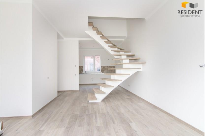 Parduodamas namas Norvegų g. , Kalnėnuose, Vilniuje, 60 kv.m ploto, su pilnu įrengimu