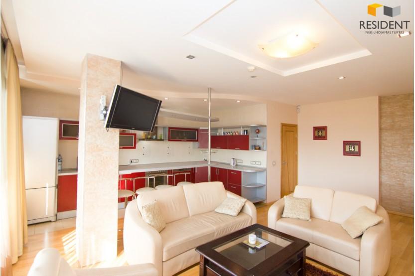 Nuomojamas butas Gynėjų g. , Senamiestyje, Vilniuje, 67.8 kv.m ploto, 2 kambariai