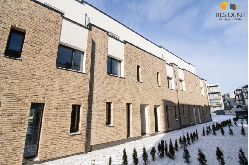 Parduodamas butas Gilužio g. , Pilaitėje, Vilniuje, 91 kv.m ploto, 4 kambariai