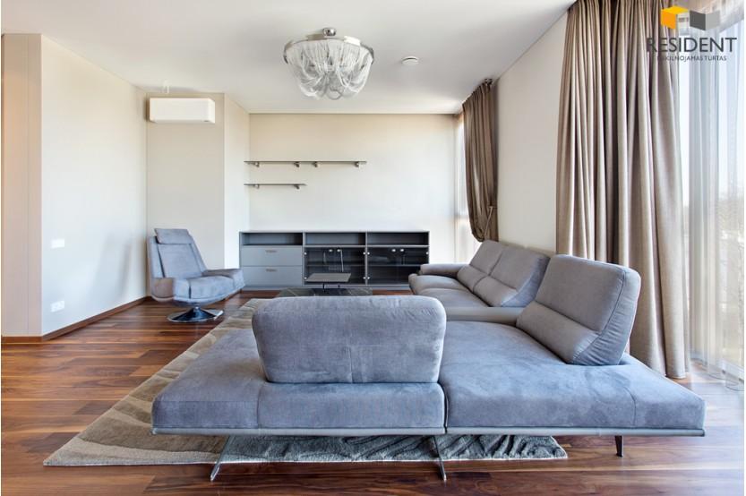 Parduodamas butas K. Kalinausko g. , Senamiestyje, Vilniuje, 144.58 kv.m ploto, 4 kambariai