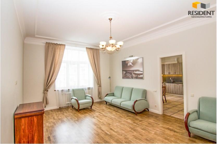 Parduodamas butas Vašingtono a. , Senamiestyje, Vilniuje, 105.1 kv.m ploto, 3 kambariai