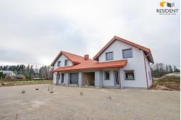 Parduodamas namas Molėtų g. , Didžiojoje Riešėje, Vilniuje, 165 kv.m ploto, 2 aukštai