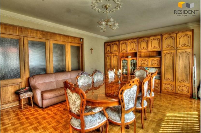 Parduodamas namas Užuovėjos g. , Senamiestyje, Alytuje, 335 kv.m ploto, 2 aukštai